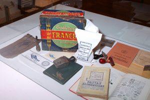 Imagen de diferentes útiles de oficina y productos de la industria alimenticia de Tarazona.