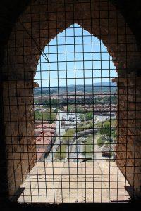 Tarazona a través de un ventanal de la torre.