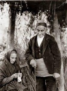 Imagen antigua de la indumentaria típica turiasonense (PI sobre conocimientos tradicionales).