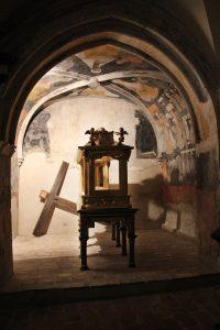 Imagen de las pinturas recuperadas en la Capilla del Sepulcro.